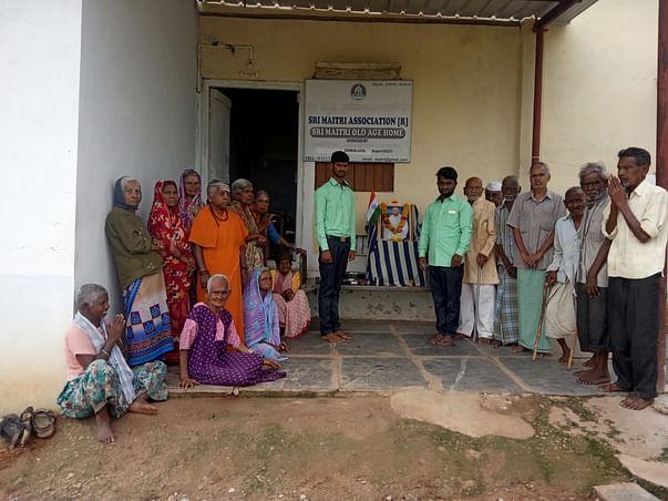 Support Sri Maitri Old Age Home At Koppal