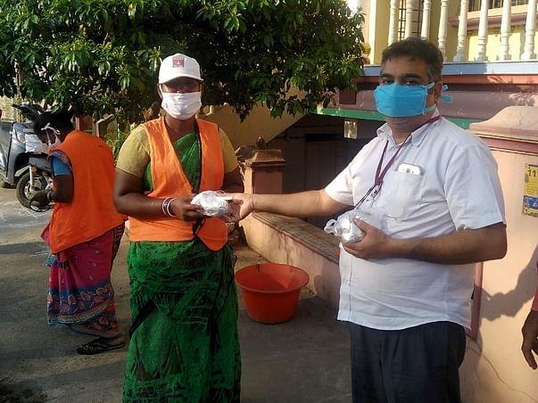 Help Distribute Food Packets To Poor People During COVID-19 Lockdown
