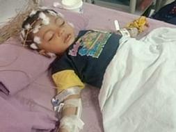 Help Little Rayan fight this battle