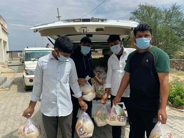 Provide Essential Supplies to Daily Wages Labourers During COVID-19