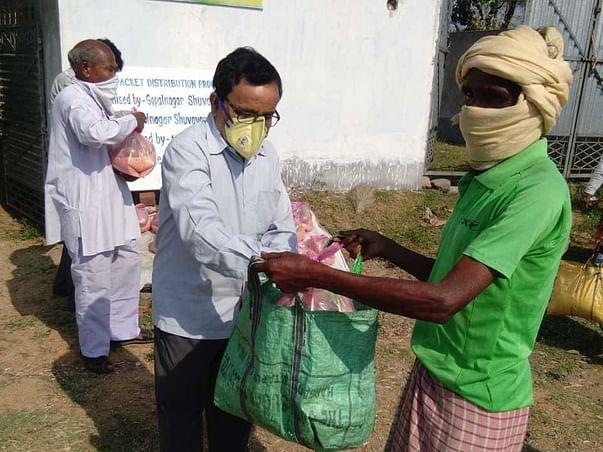 Help Us Distribute Grocery Kits To Villagers In Manbajar - Purulia