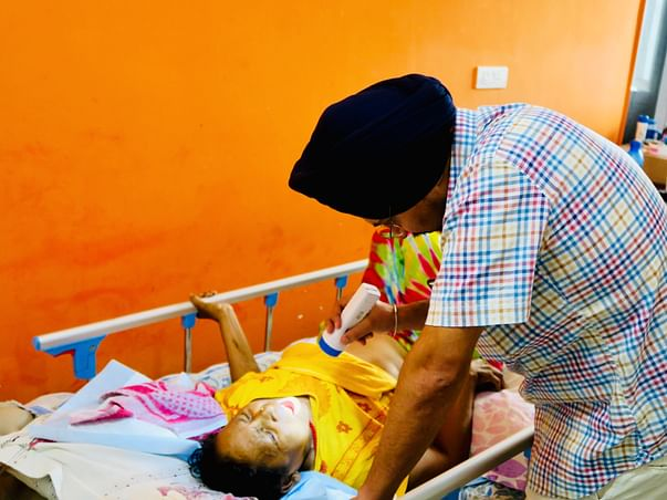 Help 'Ganga Prem Hospice, Rishikesh' Stay Afloat