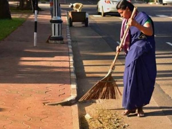 10000 Face Masks for Road sweepers During COVID-19 Crisis