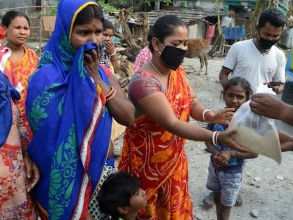 Help Us poor condition people Food To Daily Wage Earners' Families Suf