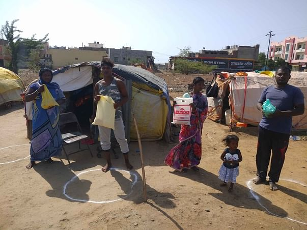 Help Street Side Daily Wages Families in Lockdown