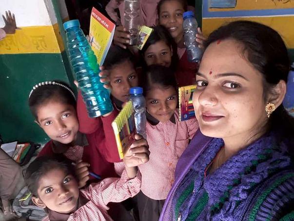 गरीबी से लड़ने में और गरीब बच्चों के पढ़ने में विजन की मदद करें