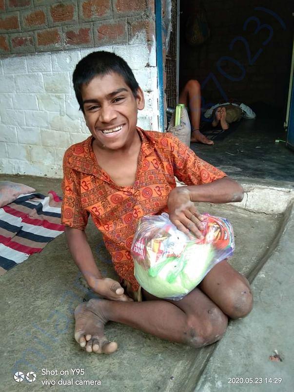 Distributed EID kits to Bhopal gas victim childrens