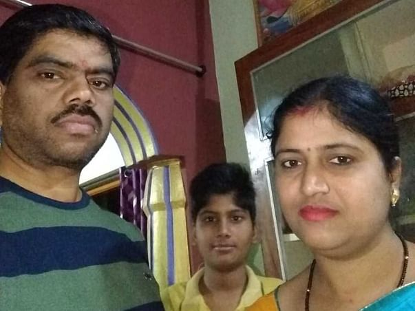 Class Topper Wants To Be An IAS Officer, But Cancer Can Take His Life