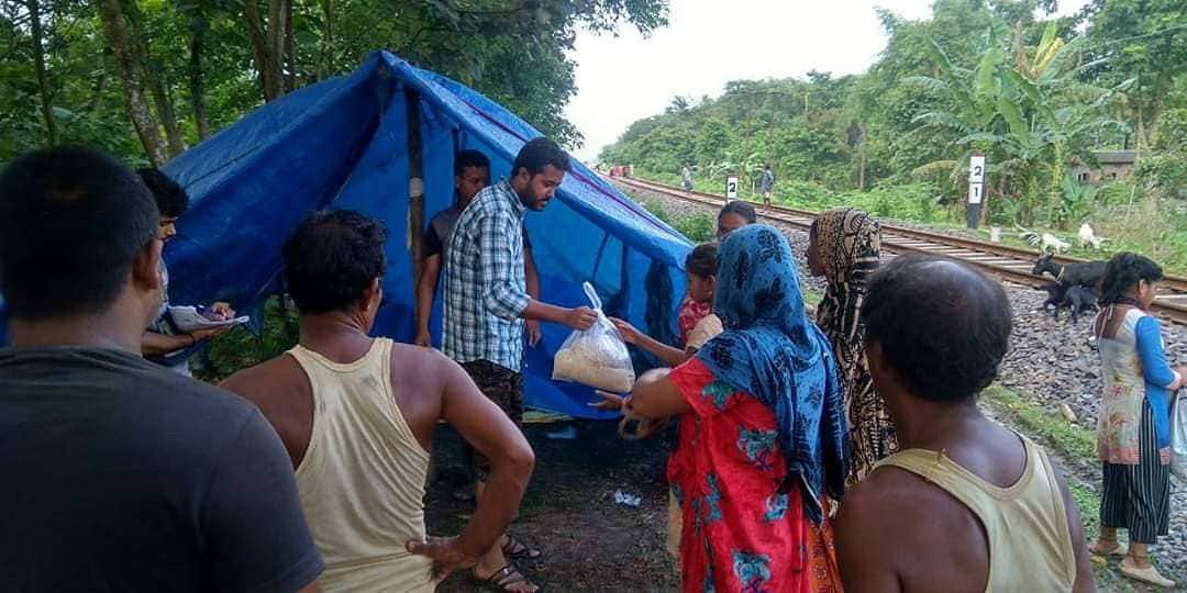 SFI All Assam President Kashyap Choudhury at relief camps.