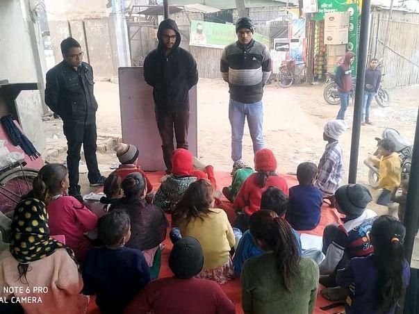 Mobilize Kids Of Slum Area