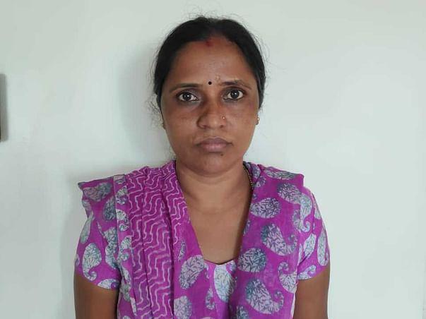 Maid Rajamma borrowed 1.5 lakhs to fight Corona. Please help her repay