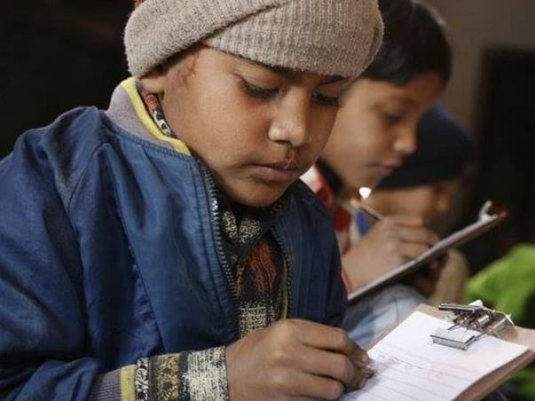 Help children of handicraft artisans to access online classes