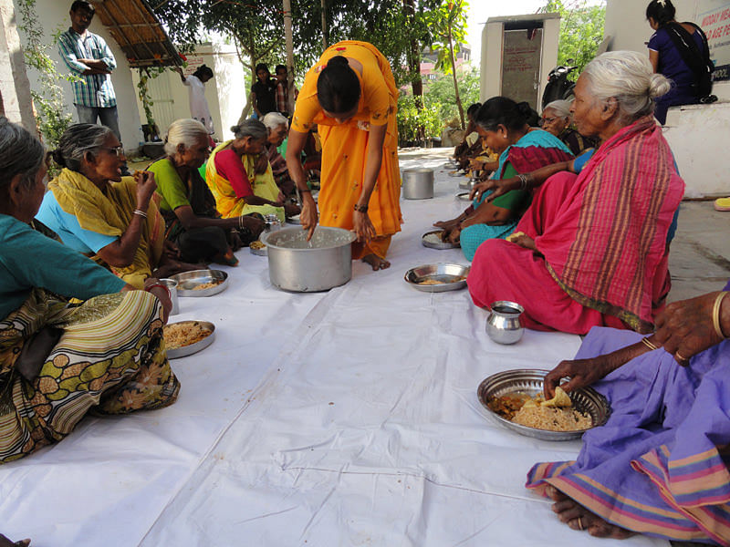 Sponsor food for elderly in india