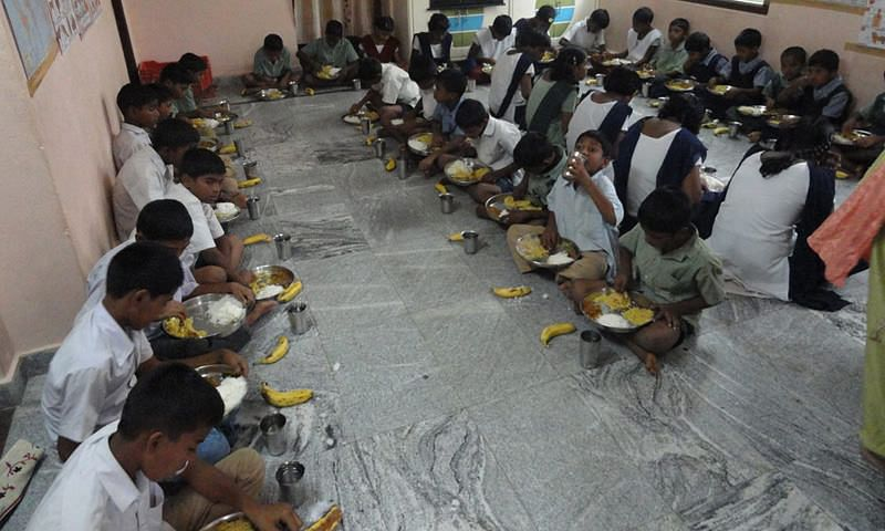 Sponsorship of lunch for orphan street children india