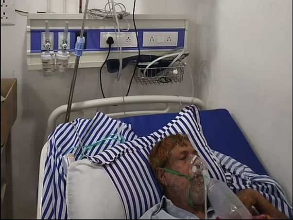 my father suffers from COVID. Please help with treatment expenses