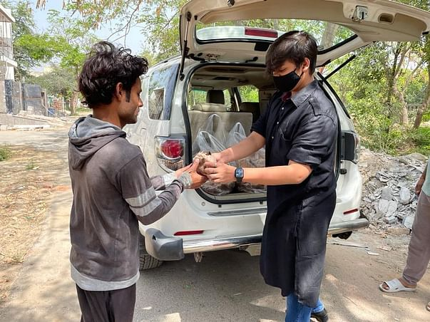 HELP SHASHANK SUPPLY FREE FOOD TO COVID-19 PATIENTS