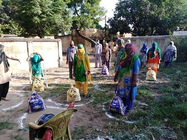 Feed Covid-infected Rural Uttar Pradesh