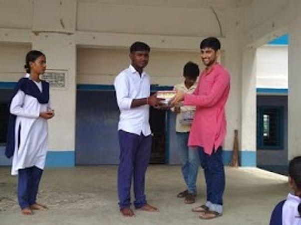 Scholarship For Poverty-Stricken High School Students