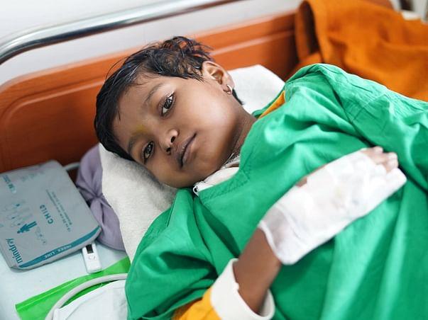 7 Years Old Sakshi Honmane Needs Your Help Recover Leukemia