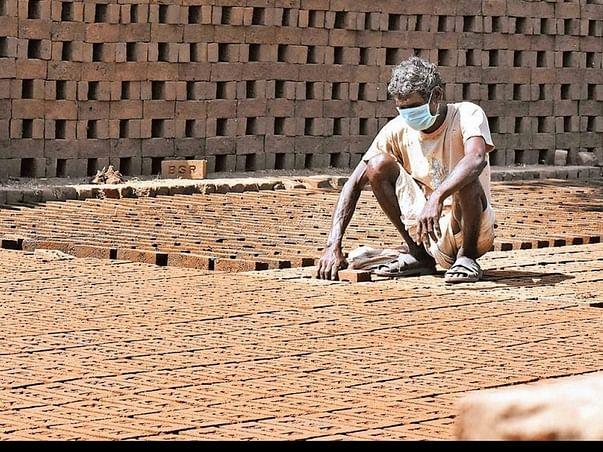 Help Citu Provide Ration Kits To Unorganized Workers In Bengaluru