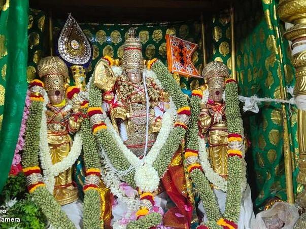 Supporting the Tiruchendur Temple Sevarth's during 2021 lockdown
