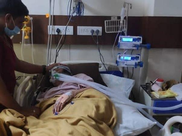 Support Zeenath 75 Yrs Recover Chronic Kidney Disease & Cellulitis