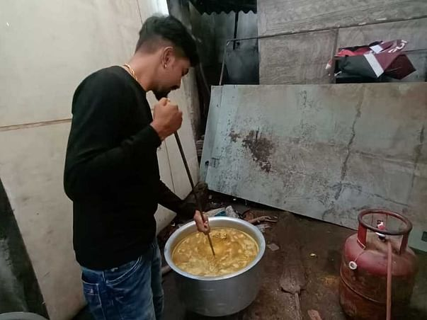 Help Me To Feed  Stray And Street Dogs