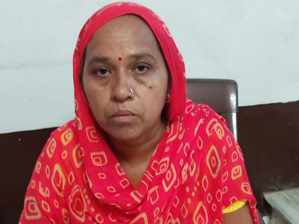 Help Suman (BPL) build walls and a bathroom for her house