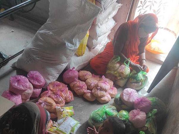 Lets Feed Indian Handloom Artisans!