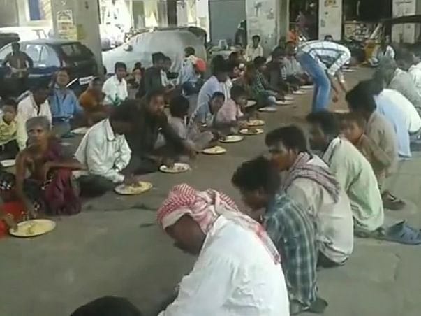 Help to arrange tea and food for patients and needy people