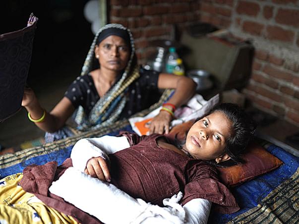 Shivani will lose both hands. She needs Urgent Help. Please help her!