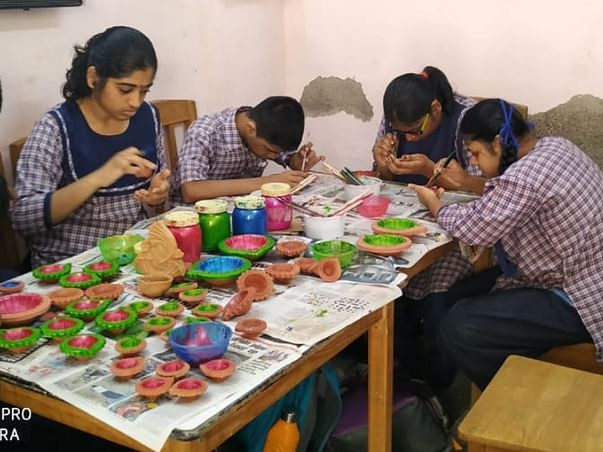 Support these special girls from Mumbai to complete their studies !