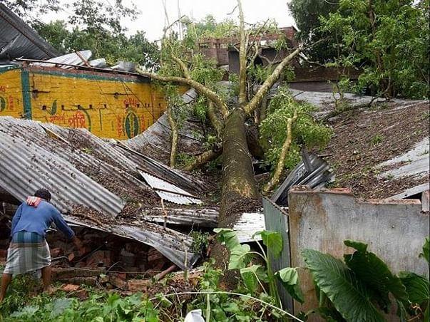 Help The Covid Struck Underprivileged In Sundarban Receive Amenities.