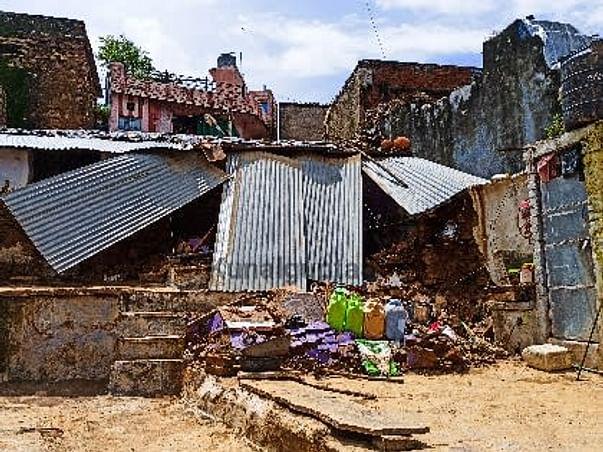 Sheopur (Madhya Pradesh) Flood Relief by Kunal Gupta and Chetan Garg