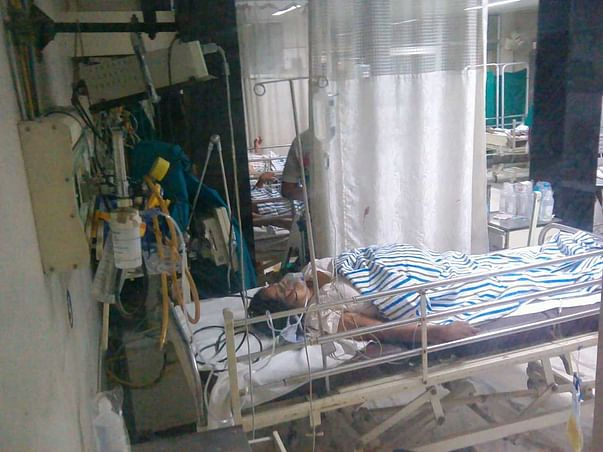 59 Years Old Chanda Tripathi Needs Your Help Recover  Paralysis And Blood Clot