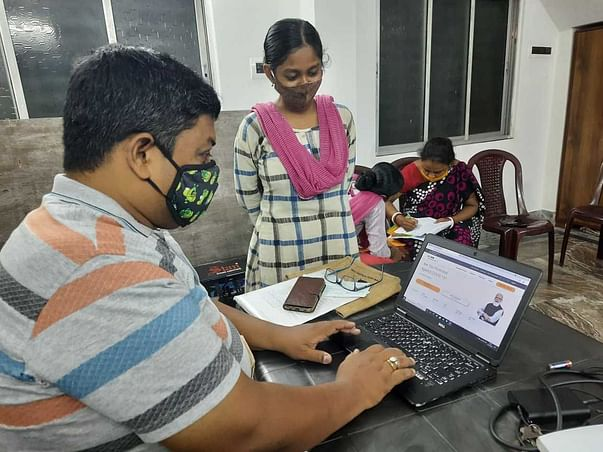 Supporting Access to COVID-19 Vaccines in West Bengal