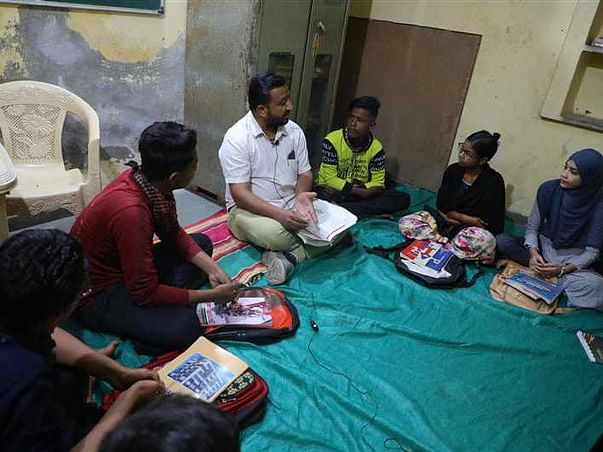 Help 6 Students Continue With Their Schooling
