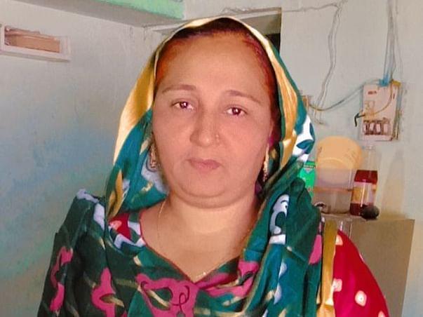Help Sakina Smoothly Run Her Business!
