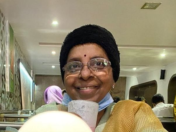 Support Monali Gandhi To Recover From Breast Cancer