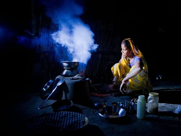 Bring solar lighting to unelectrified communities in India
